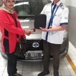Foto Penyerahan Unit 2 Sales Marketing Mobil Dealer Datsun Tasikmalaya Adytias