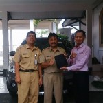 foto-penyerahan-unit-2-sales-marketing-mobil-dealer-datsun-temanggung-andres-ansori