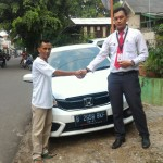 Foto Penyerahan Unit 2 Sales Marketing Mobil Dealer Honda Jakarta Utara Adi