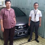 Foto Penyerahan Unit 2 Sales Marketing Mobil Dealer Honda Sukabumi Decky