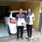 Foto Penyerahan Unit 2 Sales Markting Mobil Dealer Datsun Jakarta Barat Ratna