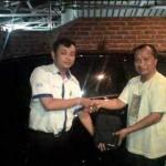 foto-penyerahan-unit-3-sales-marketing-mobil-dealer-datsun-probolinggo-novan-triyono