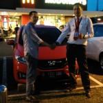 Foto Penyerahan Unit 3 Sales Marketing Mobil Dealer Honda Jakarta Utara Adi