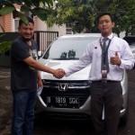 Foto Penyerahan Unit 3 Sales Marketing Mobil Dealer Honda Pluit Tjhai Andre