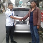 Foto Penyerahan Unit 4 Sales Marketing Mobil Dealer Datsun Agi