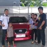 Foto Penyerahan Unit 4 Sales Marketing Mobil Dealer Datsun Budi