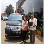 Foto Penyerahan Unit 4 Sales Marketing Mobil Dealer Datsun Idah