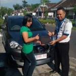 Foto Penyerahan Unit 4 Sales Marketing Mobil Dealer Datsun Nissan Dwi Pur