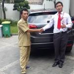 Foto Penyerahan Unit 4 Sales Marketing Mobil Dealer Honda Pluit Tjhai Andre