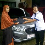 Foto Penyerahan Unit 5 Sales Marketing Mobil Aziz