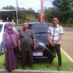 Foto Penyerahan Unit 5 Sales Marketing Mobil Dealer Datsun Budi