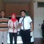 Foto Penyerahan Unit 5 Sales Marketing Mobil Dealer Datsun Purwokerto Erdi
