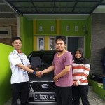 Foto Penyerahan Unit 5 Sales Marketing Mobil Dealer Datsun Tasikmalaya Adytias