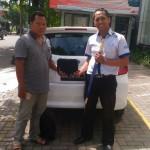 Foto Penyerahan Unit 6 Sales Marketing Mobil Dealer Datsun Kediri Ahmad