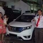 Foto Penyerahan Unit 6 Sales Marketing Mobil Dealer Honda Pluit Tjhai Andre