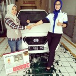 Foto Penyerahan Unit 7 Sales Marketing Mobil Dealer Datsun Tasikmalaya Vera