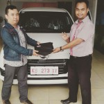 Foto Penyerahan Unit 8 Sales Marketing Mobil Dealer Daihatsu Bansir