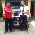 Foto Penyerahan Unit 8 Sales Marketing Mobil Dealer Datsun Kediri Ahmad