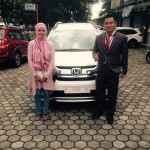 foto-penyerahan-unit-8-sales-marketing-mobil-dealer-honda-cianjur-hedi