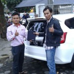 Foto Penyerahan Unit 9 Sales Marketing Mobil Dealer Datsun Agi