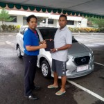 Foto Penyerahan Unit 9 Sales Marketing Mobil Dealer Datsun Jember Husein