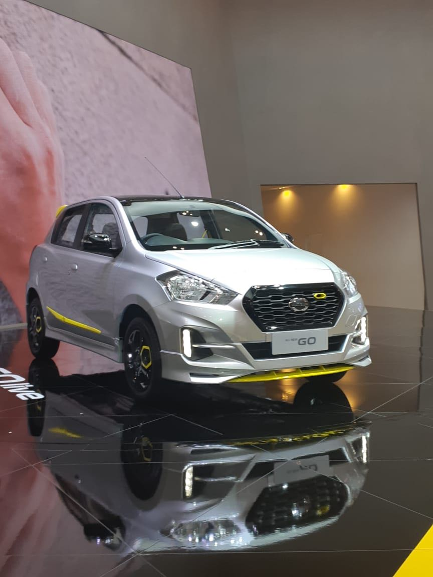 Sales Marketing Mobil Dealer Datsun Acing