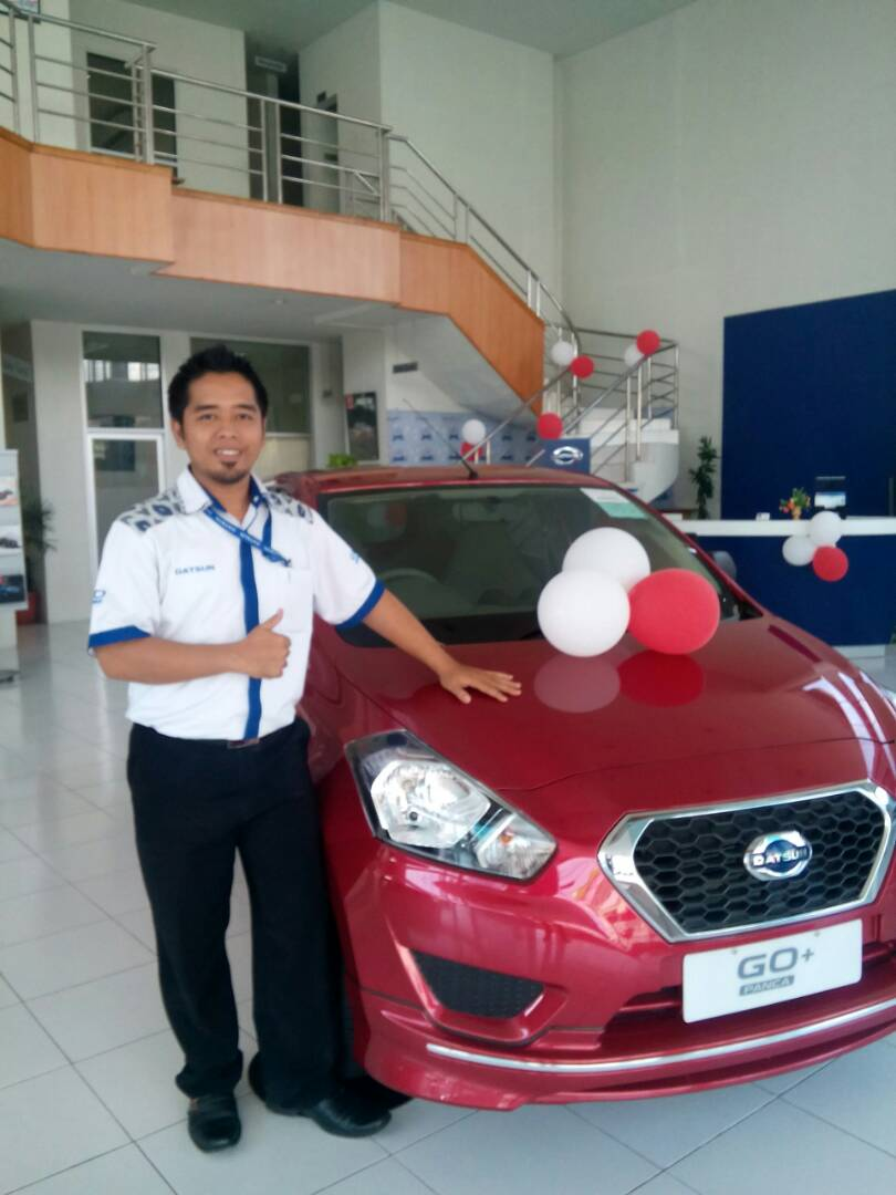 Sales Marketing Mobil Dealer Datsun Jember Husein