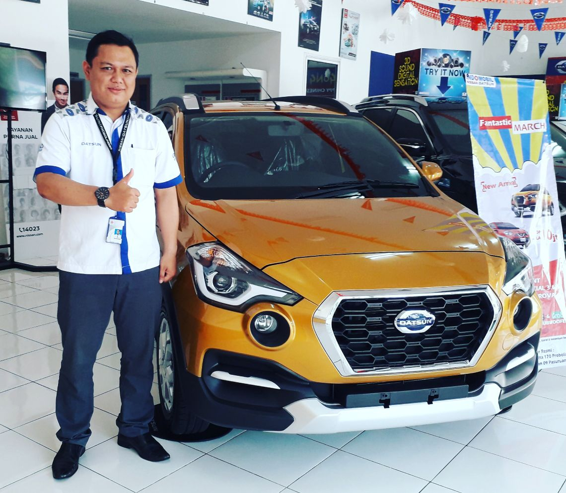 Sales Marketing Mobil Dealer Datsun Nissan Dwi Pur