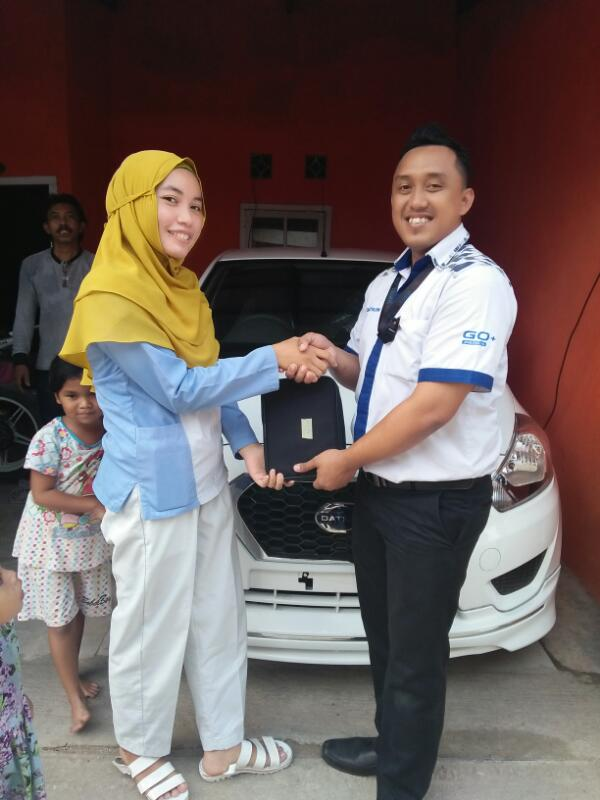 Sales Marketing Mobil Dealer Datsun Purwakarta Yosi