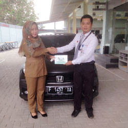sales-marketing-mobil-dealer-honda-cianjur-hedi