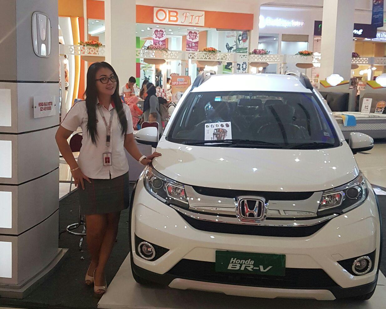 Sales Marketing Mobil Dealer Honda Jakarta Barat Widia