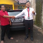 Foto Penyerahan Unit 2 Sales Marketing Mobil Dealer Honda Hafiz