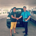 Foto Penyerahan Unit 10 Sales Marketing Mobil Dealer Suzuki Medan Philbert Lin