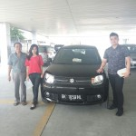 Foto Penyerahan Unit 11 Sales Marketing Mobil Dealer Suzuki Medan Philbert Lin