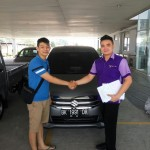 Foto Penyerahan Unit 12 Sales Marketing Mobil Dealer Suzuki Medan Philbert Lin