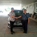 Foto Penyerahan Unit 13 Sales Marketing Mobil Dealer Suzuki Medan Philbert Lin