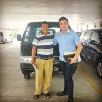 Foto Penyerahan Unit 3 Sales Marketing Mobil Dealer Suzuki Medan Philbert Lin
