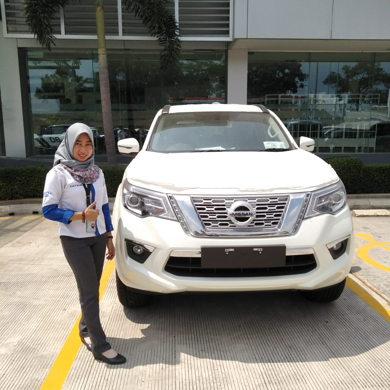 Sales Marketing Mobil Dealer Datsun Izul