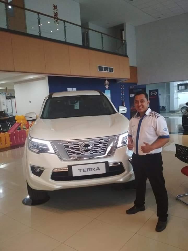 Sales Marketing Mobil Dealer Nissan Yosi