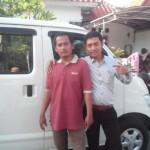 Foto Penyerahan Mobil 2 Sales Marketing Dealer Daihatsu Gresik Erwan SG