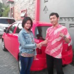 Foto Penyerahan Mobil 4 Sales Marketing Dealer Daihatsu Gresik Erwan SG