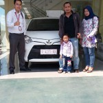 Foto Penyerahan Unit 10 Sales Marketing Mobil Dealer Toyota Indramayu Ryan