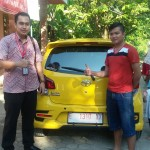 Foto Penyerahan Unit 11 Sales Marketing Mobil Dealer Toyota Indramayu Ryan