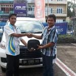 Foto Penyerahan Unit 12 Sales Marketing Mobil Dealer Daihatsu Jambi Firman