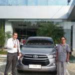 Foto Penyerahan Unit 15 Sales Marketing Mobil Dealer Toyota Indramayu Ryan