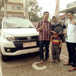 Foto Penyerahan Unit 17 Sales Marketing Mobil Dealer Daihatsu Jambi Firman