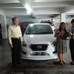 Foto Penyerahan Unit 2 Sales Datsun Manado Atau Marketing Mobil Dealer Datsun Manado Lia Maidangkay