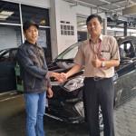 Foto Penyerahan Unit 20 Sales Marketing Toyota Atep