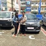 Foto Penyerahan Unit 22 Sales Marketing Mobil Dealer Daihatsu Jambi Firman