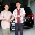 Foto Penyerahan Unit 25 Sales Marketing Toyota Atep